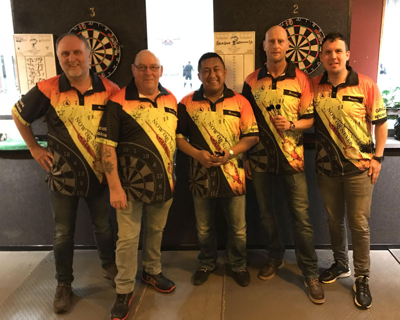 Dartteam Now or Never uit Delft.