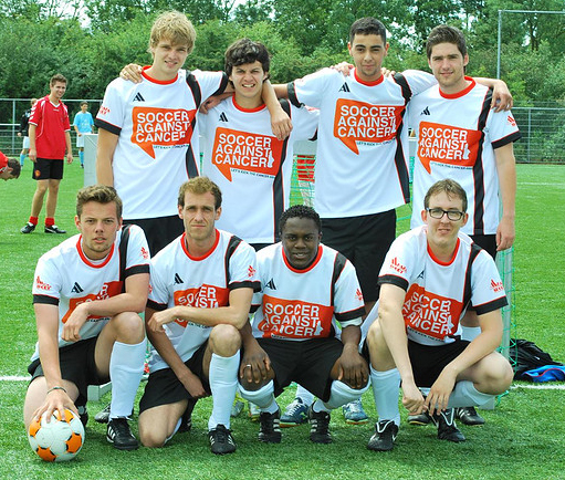 Akaza sport steunt Soccer Against Cancer!
